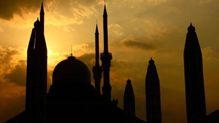 Мюсюлманите честват Рамазан Байрам, молитви на открито заради пандемията