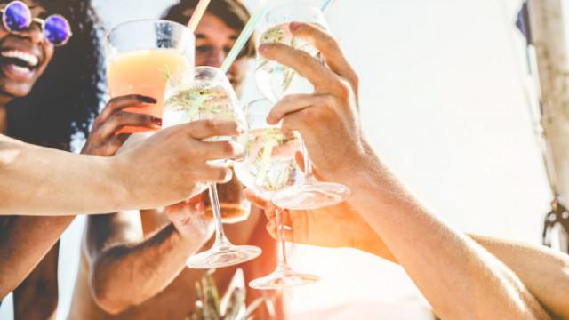 White Sangria, Raspberry Margarita, Sea Breeze - коктейлите, които задължително да опитаме това лято