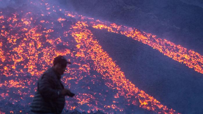 """Нова атракция в Гватемала: Пица """"Пакая"""", печена на вулканична лава"""