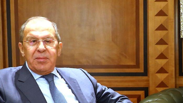 Руският външен министър Сергей Лавров предупреди западните страни да не