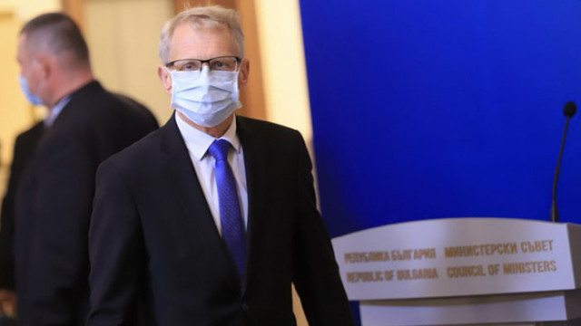 Петър Велков: Министърът на образованието не виждал смисъл от мерки като дистанция и маски в училище