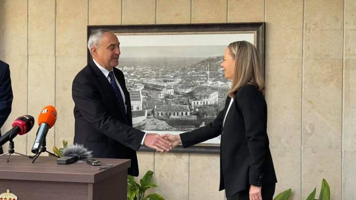 Каназирева посрещна новия губернатор и пожела успех на новата администрация
