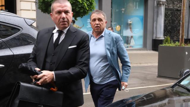 """Собственикът на """"Градус"""" отрече да е приятел с Борисов и настоя за детектор на лъжата"""