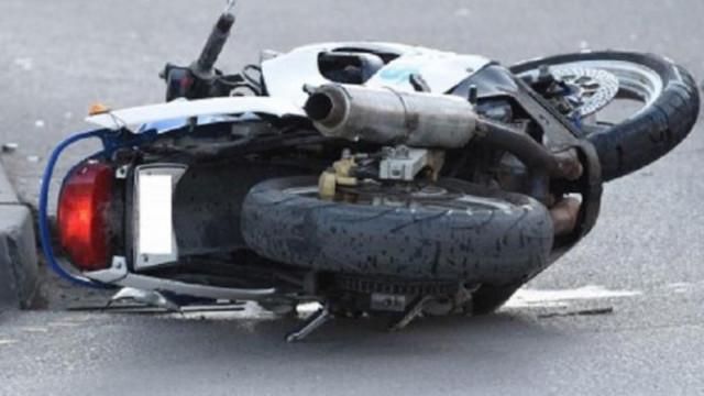 Мотоциклетист с фрактура на крака, след катастрофа във Варна