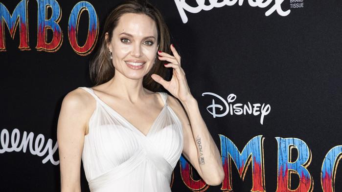 Анджелина Джоли не разрешава дъщеря ѝ да общува с приятелката на баща си
