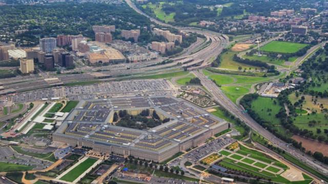 Пентагонът изнесе списък с 20 китайски компании, подкрепяни от армията на Китай