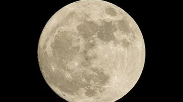 """Тази вечер се наблюдава втората за годината """"супер Луна"""""""