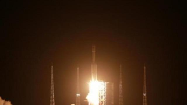"""Товарният кораб """"Тиенджоу 2"""" се скачи успешно с основния модул на китайската космическа станция"""