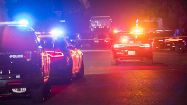Двама убити и около 25 ранени след стрелба в Маями