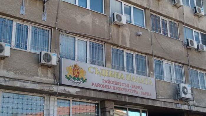 Районен съд – Варна глоби с 1000 лева шофьор, управлявал без книжка