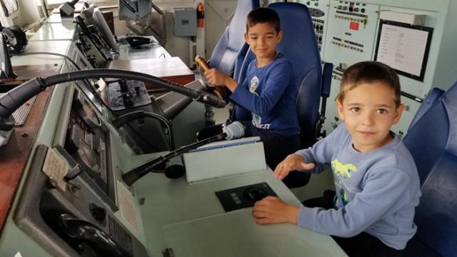 Посещения във формированията на ВМС по случай 1 юни – Международен ден на детето (СНИМКИ)