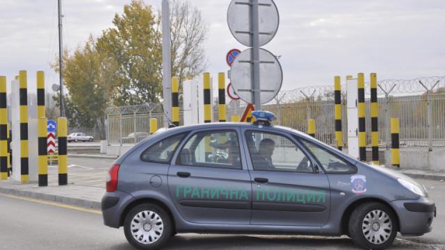 Автобус с българи остана блокиран с часове на границата с Турция