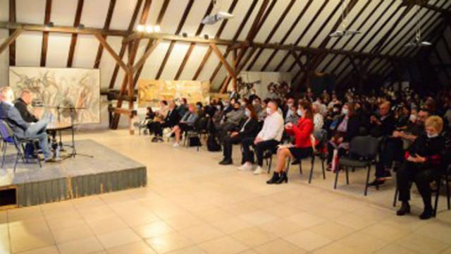 Кметът Иван Портних бе гост на дискусия с Георги Господинов и Захари Карабашлиев