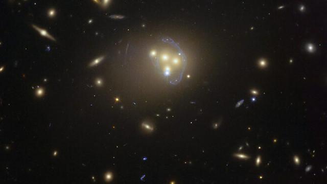 Физици разкриха, че тъмната материя се намира в друго измерение