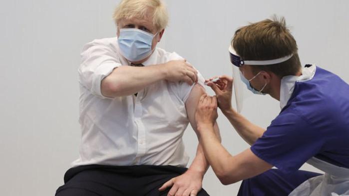 Британският премиер Борис Джонсънполучи вторатадозаот ваксината на AstraZeneca. Това съобщи