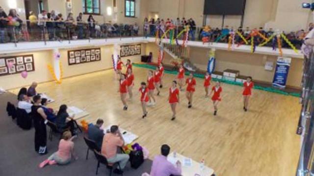 Над 100 участници се включват в турнир по акробатичен рокендрол