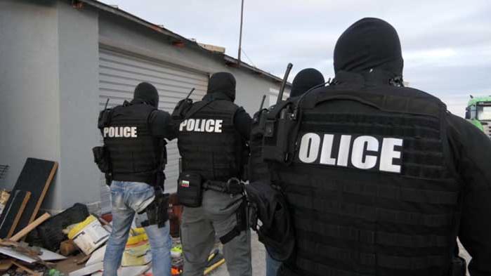 Двама турски граждани са задържани за трафика на хероин край Сливен