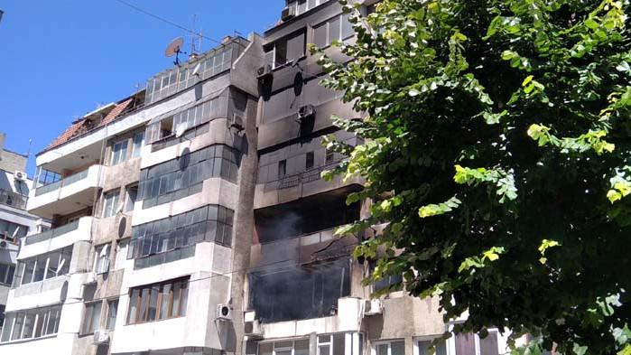 Само с материални щети се размина пожарът, възникнал по-рано днес в кооперация във Варна