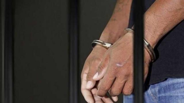Съдът задържа 26-годишен мъж, обвинен за притежение на наркотични вещества с цел разпространение