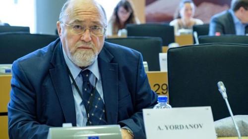 """Александър Йорданов: Ще преборим чумата не с """"отворковщина"""", а с човещина, солидарност и доверие"""