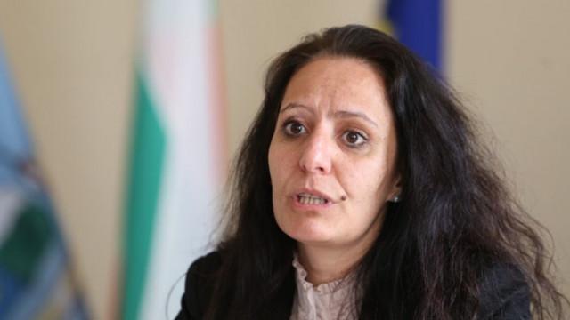 Станиславова няма да подава оставка: Няма правно валидно решение на КПКОНПИ