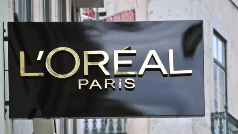 """Козметичният гигант L'Oreal премахва думи като """"избелване"""" от продуктите си"""