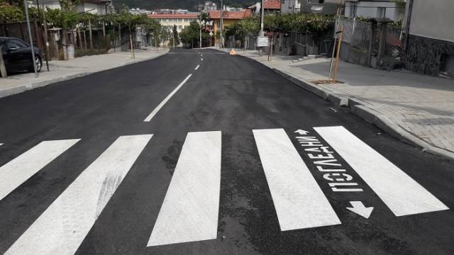 Полагат маркировка на някои улици във Варна, молят се водачите да преместят автомобилите си