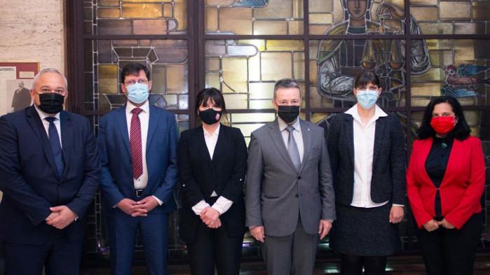 Министърът на правосъдието проф. Янаки Стоилов и екипът му проведоха