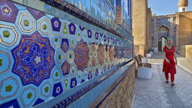 Узбекистан ще ви даде $3000, ако пътувате там и се заразите с коронавирус