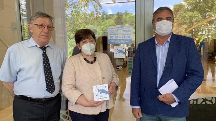 """Добрият пример: Курортен комплекс Албена получи първия стикер """"100% ваксинирани"""""""