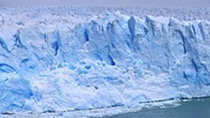 Леденият шелф на антарктически ледник, който възпира разпадането му на