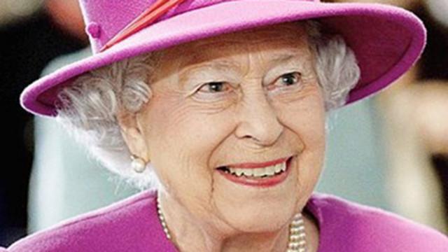Кралица Елизабет Втора удостои с рицарски звания създателите на оксфордската ваксина срещу Ковид-19