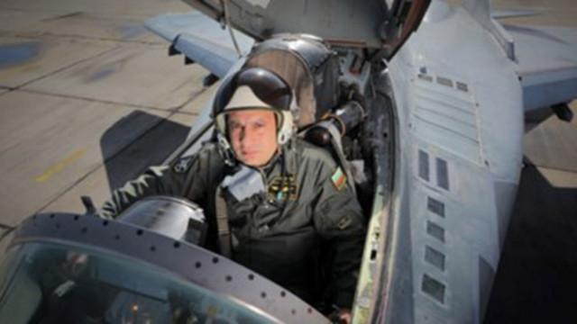 Издирвателната акция за черната кутия на МиГ-29 продължава и днес