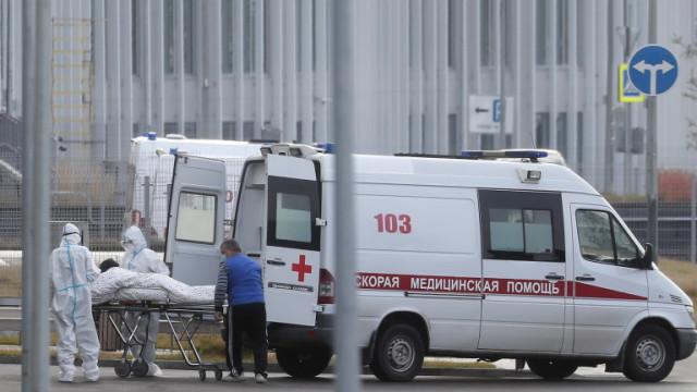 Русия отново с много новозаразени и починали от COVID-19