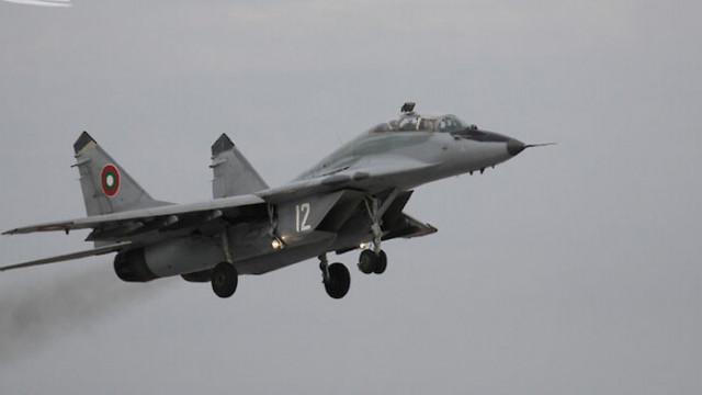 Съпругата на майор Терзиев: Не спирайте да летите, макар и на счупени самолети
