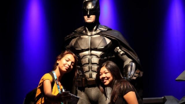 Героите не правят така! Забраниха интимности между Батман и Жената-котка