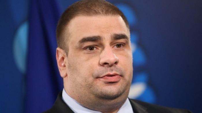 От профила във Фейсбукна Борис Марков Спряха бонусите на администрацията