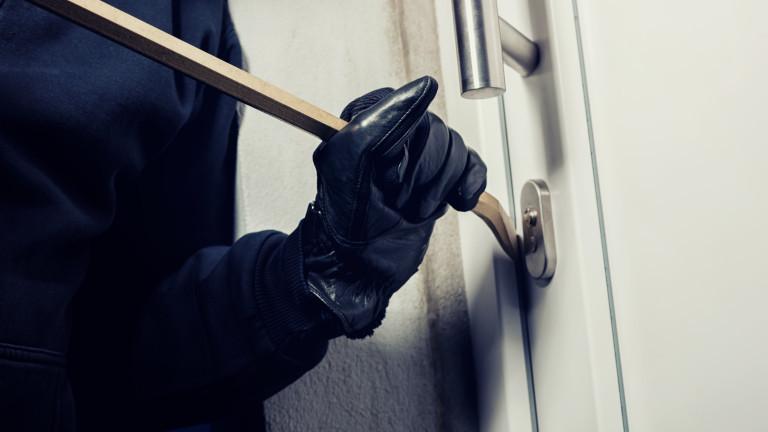 Общо 1733 домови кражби са извършени в страната за първите