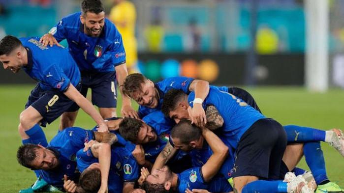 Италия успя да победи с 3:0 Швейцария във втория кръг