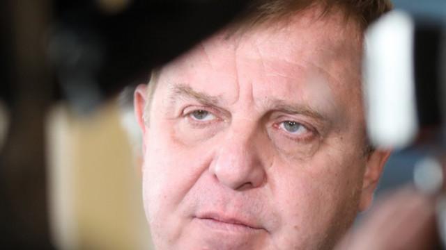 Каракачанов: Призовавам Янев и Радев да се придържат към утвърдената държавна позиция