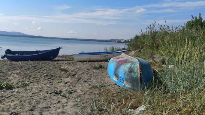 Премахват 30 лодки от плажа в кв.