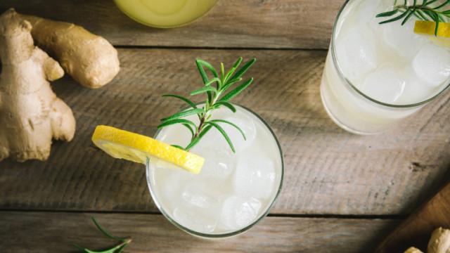 Джинджифил, лимон, мед - единственият студен чай за летните дни