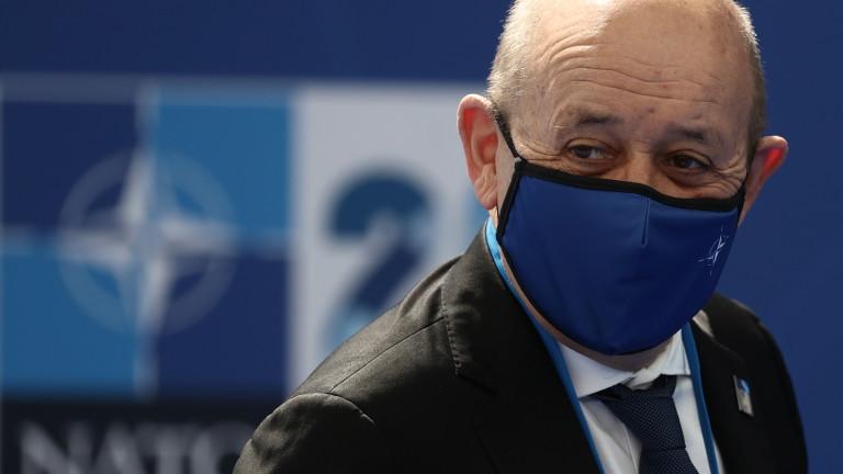 Франция обвини Русия, че е пристъпила към завземане на властта