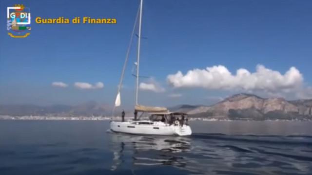 Италия хвана трима българи с яхта и 6 тона хашиш