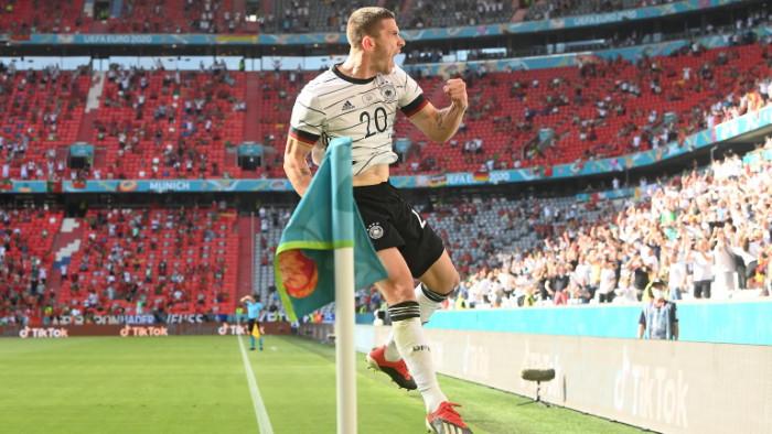 Трима футболисти на Германия са с проблеми след победата с