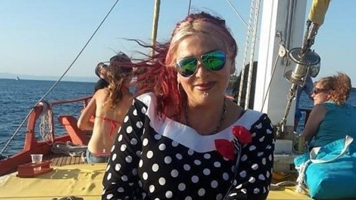 ЛГБТИ общността и ДБ опитват да изтрият Милена Славова от Фейсбук