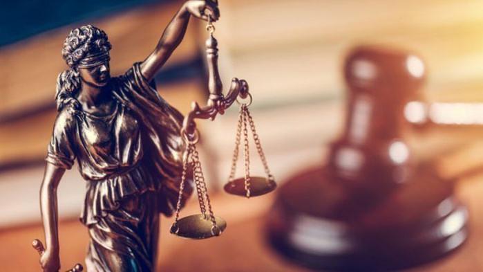 Млад мъж от Варна е предаден на съд за два грабежа