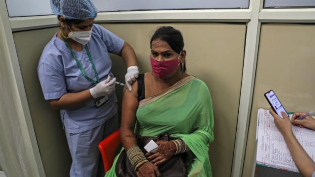 Индия ваксинира рекордните 7,5 млн. души за ден след промяна на политиката