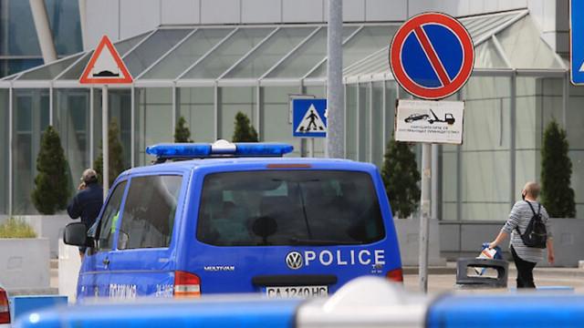 Разследват самоубийство на граничен полицай на аерогарата