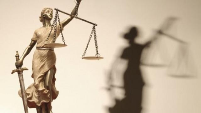 Двама варненци отиват на съд за грабеж и принуда спрямо техен познат